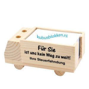 houten vrachtwagen voor papiertjes met pengat